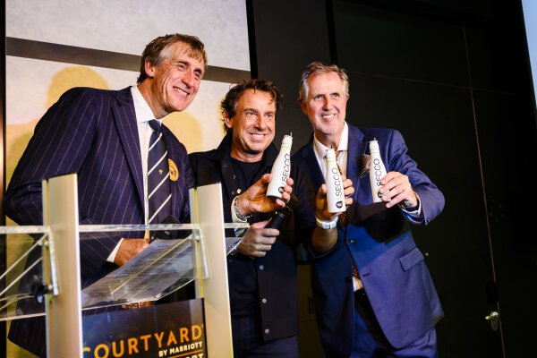 Marco Borsato opent Courtyard Amsterdam Airport